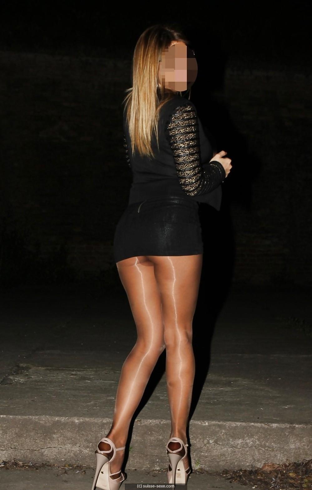 Jolie blonde propose rdvs discrets, dispo la journée sur Nyon